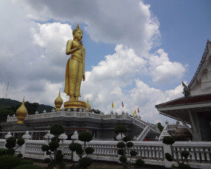 Giant Buddha Statue – Hat Yai | Temples In Thailand Pictures